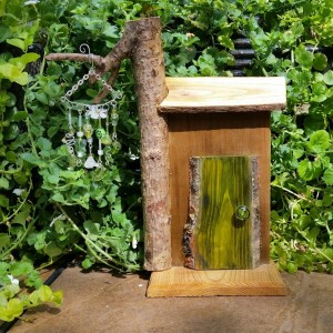 Green Plank Garden Fairy Door with Wind Chime - GardenFairies.ca